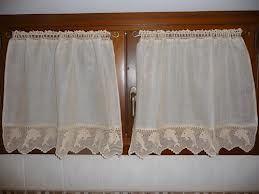 Oltre 1000 idee su tende della finestra della cucina su - Tendine per il bagno ...