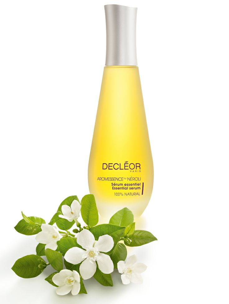 1st of December - Aromessence Neroli Aromessence Super Serum Neroli is an elixir of 100% pure and natural Essential Oils, suitable for all skin types, particularly dehydrated and slightly unbalanced skins. The serum adds radiance to dull skin, leaving it looking flawless for the Christmas period. Use as part of the DECLÉOR Duo concept with Hydra Floral Cream to increase skins hydration by 63%. A perfect gift to you skin this Christmas!