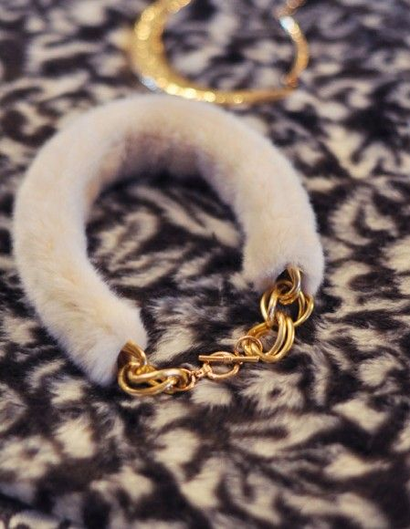 faux fur and gold collar necklace