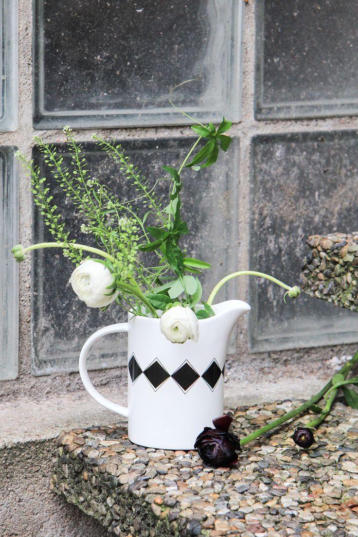 Geometric jug from Diket design. Picture featured in our latest online magazine.  #diketdesign #jug #porcelain #geometric #nordicdesign #nordicdesigncollective #nordic #scandinavian #designers
