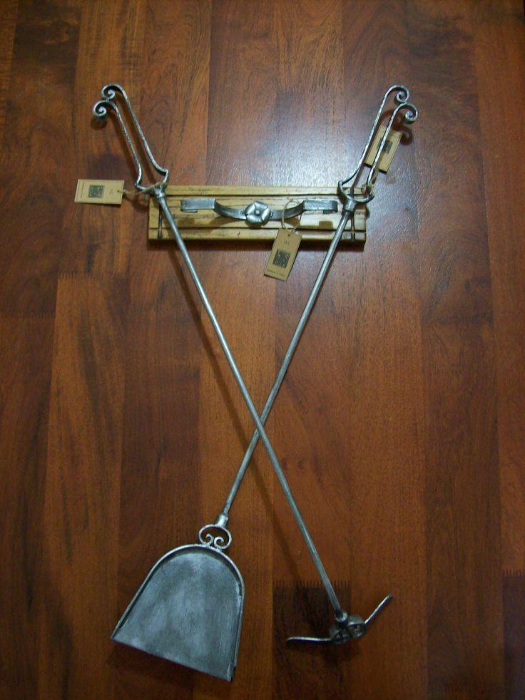 Set pala y atizador en hierro forjado patinado hierro for Adornos colgar pared