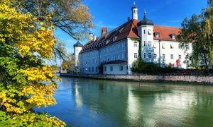 Groupon - Niederbayern: 2-4 Tage für Zwei mit Frühstück, 1x 3-Gänge-Dinner, 1x Fl. Weinund Parkplatz im 4* Michel Hotel Landshut in Landshut. Groupon Angebotspreis: 89€