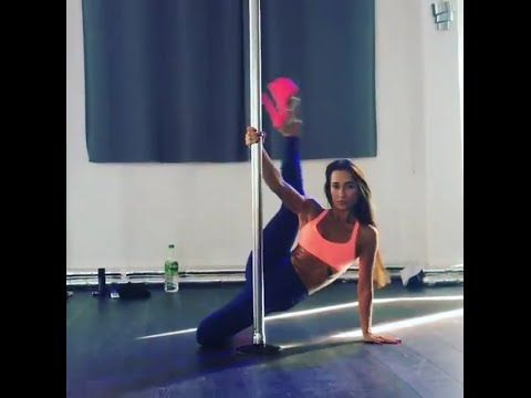 AWESOME !!!! DARIA CHE AMAZING POLE DANCING
