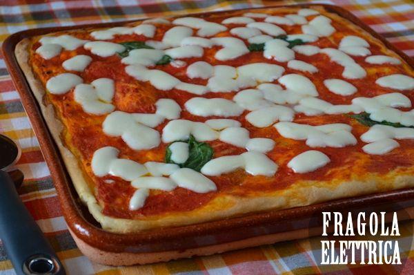 PIZZA COTTA SU TERRACOTTA fragolaelettrica.com Le ricette di Ennio Zaccariello #Ricetta
