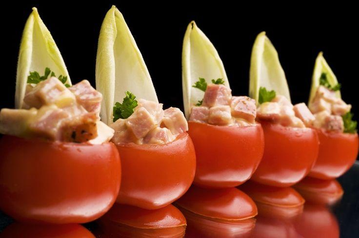 Recepten - Mini-tomaatjes gevuld met brunoise van Vlaamse ovengebakken ham