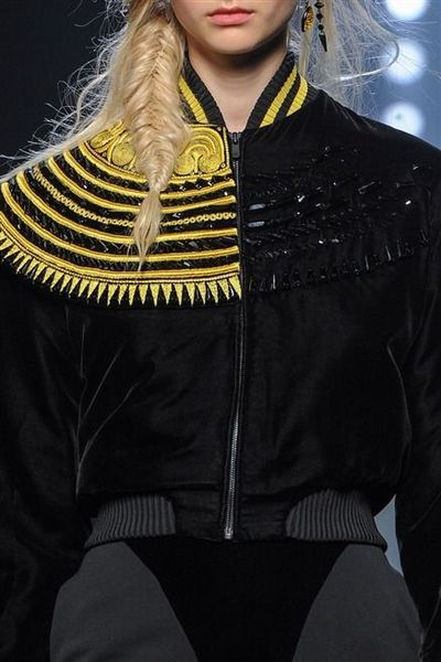 Photos des détails du défilé Jean Paul Gaultier Haute Couture automne-hiver 2015-2016 - L'Express Styles
