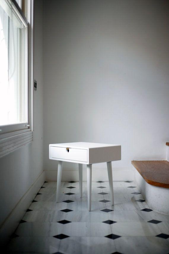 Tisch / Nachttisch Weiß Stil MidCentury Modern Retro Von Habitables, U20ac195.00