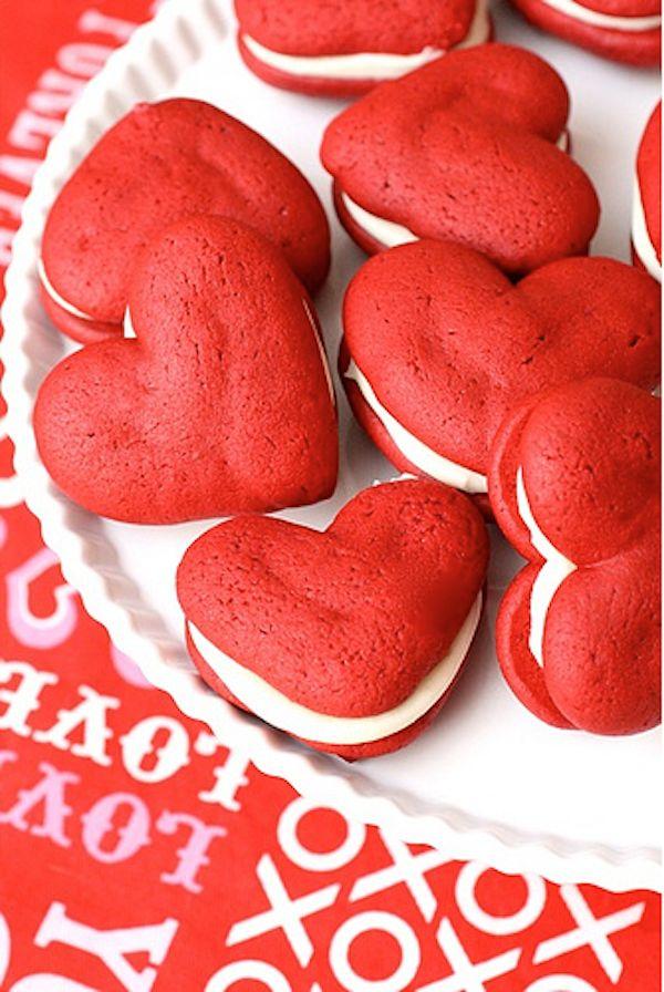 Una #receta dulce de #SanValentin: Red Velvet #whoopies idea de @Manualidades para niños Pequeocio