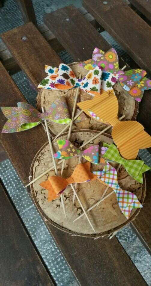 Guarda questo articolo nel mio negozio Etsy https://www.etsy.com/listing/246780918/cupcake-toppers-fiocchi-colori-autunnali