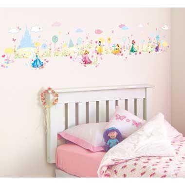 Disney Princess muurstickers  Set met 100 verschillende vinyl muurstickers om de mooiste meisjeskamer compleet te maken. Plak je eigen verhaal met Assepoester Doornroosje Sneeuwwitje Belle Ariël en Rapunzel.  EUR 13.99  Meer informatie