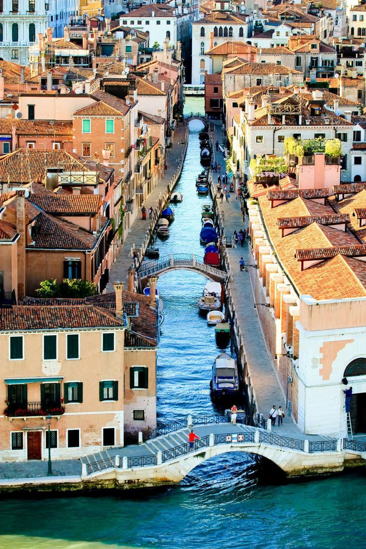 Bird's Eye View of Venice, Italy one of the many places I would love to go back to | re-pinned by http://www.wfpblogs.com/category/southfloridah2o