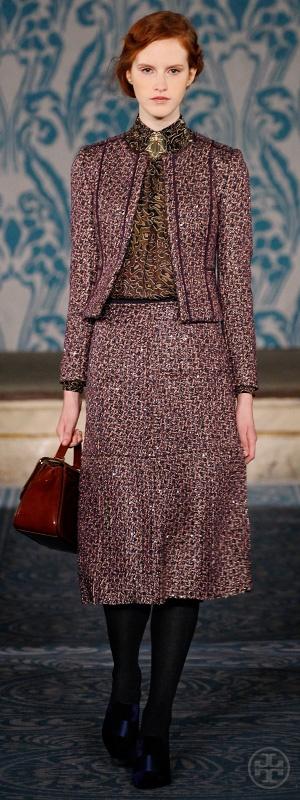 Look 27, Magdalena: Sequined tweed jacket, Animal print chiffon turtleneck, Sequined tweed skirt