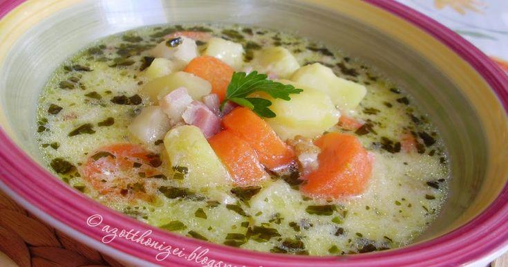 A hétköznapok egyszerű, de annál nagyszerűbb levese. Különösen hideg, fázós napokon, mint a mai is volt szeretem készíteni, mer...