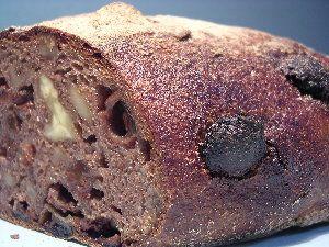 クルミとレーズンと全粒粉100% ベッカライ・ビオブロート(BACKEREI BIOBROT)