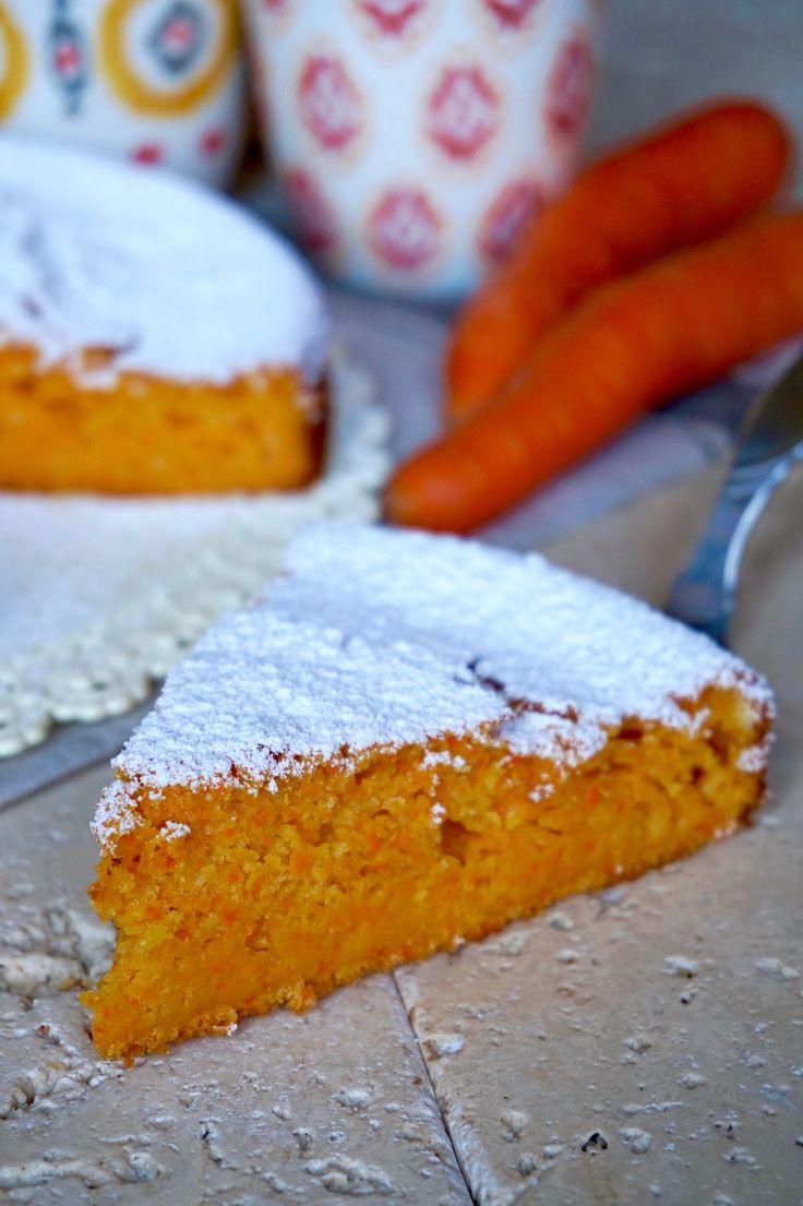 TORTA 5 MINUTI ALLE CAROTE La Torta 5 Minuti alle Carote è una Facile, Veloce e Gustosa variante della più classica torta 5 minuti. Fantastica da gustare a