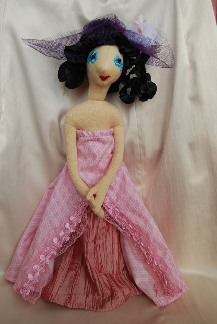 rózsaszín ruha alsószoknyával