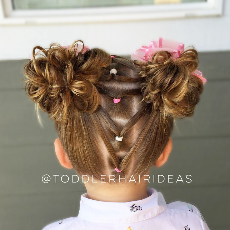 Sorry we have been MIA this past week, we were camping with the whole fam and didn't even touch our hair! It was a nice break but it's always good to be home! Today I did a line of ponies, split each one, and connected them to messy buns! This one is a little more advanced because getting parallel part-lines is kind of tricky! Go to my Facebook page for a slow messy bun tutorial. For FAQ, scroll back a few weeks to the post with a big pink circle. I won't answer questions already covered in…