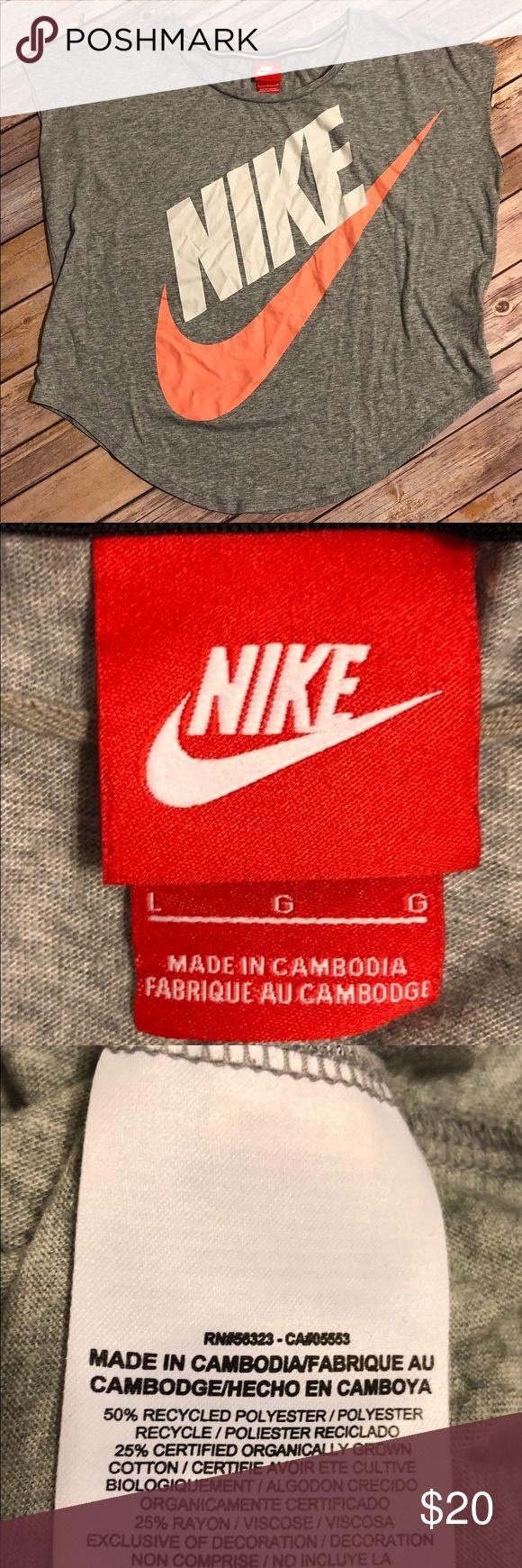 Cute😍 Nike top Comfy Nike short/sleeveless top. Size Lg Nike Tops Tees - Short Sleeve