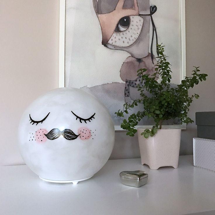 Månlampa till flickrum DIY av lampan Fado