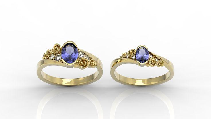 Złoty pierścionek ze szmaragdem./ Golden ring with emerald.