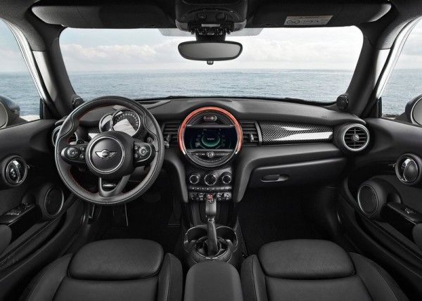 2015 Mini Cooper S Luxury dashboard 600x428 2015 Mini Cooper S Full Review with Images