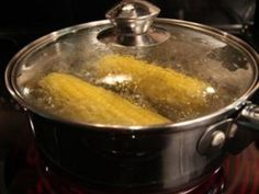 How to Cook Corn-on-the-Cob on the Stove