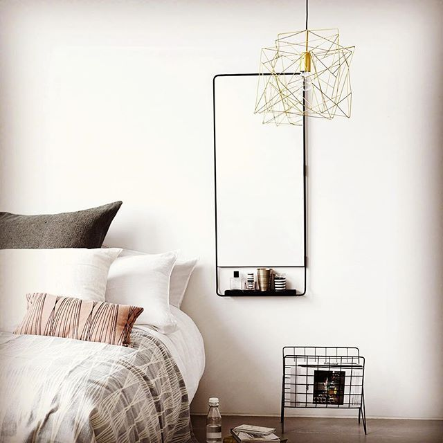 Dreamy bedroom, I like the calming colours and no clutter. Christmas decs free zone. Mirror and light are from our shop. Happy Sunday everyone. #sundayfunday #sundayvibes #arbolhousechester #interiors #interiorstyling #bedroom #bedroomdecor #mirror #housedoctordk    #Regram via @?taken-by=arbolhouse