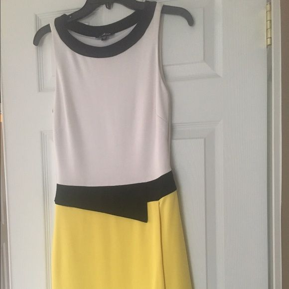 Bebe retro dress Check out this amazing dress! Retro chic, so flattering on. Great for the office, only worn once! bebe Dresses