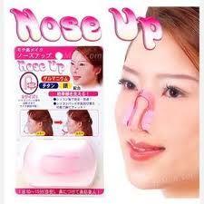 ALAT PEMANCUNG HIDUNG   NOSE UP adalah alat pemancung hidung teknologi Jepang,  Alat ini khusus dibuat untuk hidung Anda untuk menghasilkan efek yang merata dari tulang hidung Anda sampai cuping hidung yang melebar. Alat ini cukup nyaman untuk dipakai dan tidak akan mengganggu siklus pernapasan Anda. http://clinic-herbal.com/alat-pemancung-hidung-nose-up/