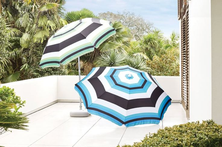 Family days at the beach can turn to disaster when there's no shade around. Be prepared for the sun with the Piha Beach Umbrella.   The Piha Beach Umbrella Combo includes: a 2.2 m Piha Beach Umbrella, water base and sand screw.