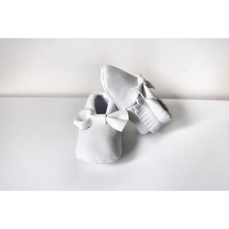 Baby Bow Mocs shoes white 💛 buy them from www.culturekid.co.nz