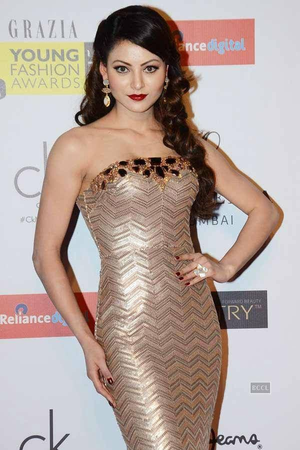Urvashi Rautela stuns in a shimmering strapless gown at the Grazia Young Fashion Awards, held at hotel Leela, in Mumbai.(Pic: Viral Bhayani See more of : Urvashi Rautela