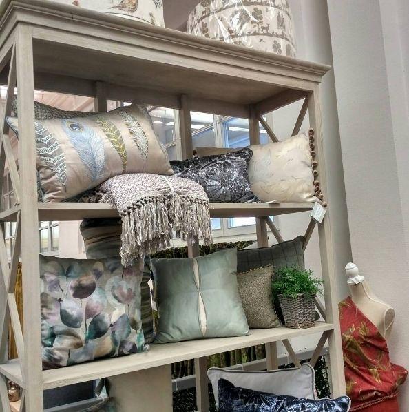 Ищете декоративные #подушки для интерьера В #galleria_arben оромный выбор Ждем! #decoration #pillows #voyagemaison #fabric @grigorenko.elena