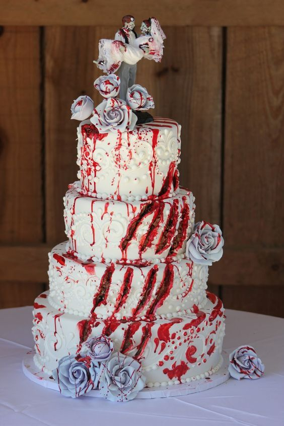 halloween wedding cake idea / http://www.himisspuff.com/halloween-wedding-ideas/8/