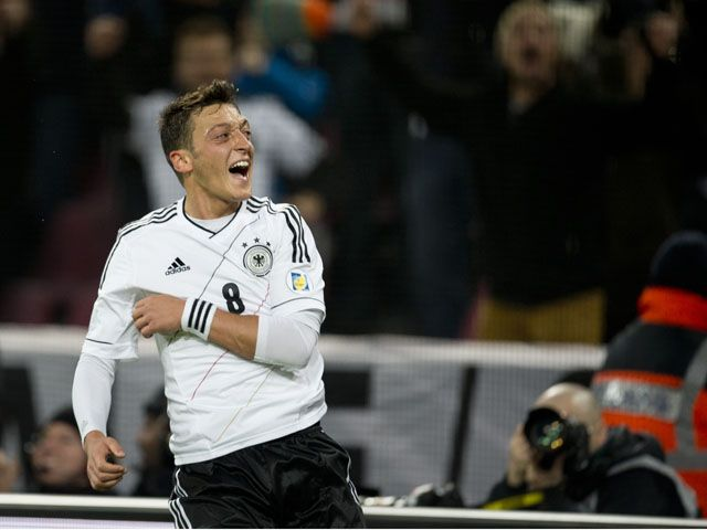 Arsenal midfielder Mesut Ozil voted Germany's player of the year