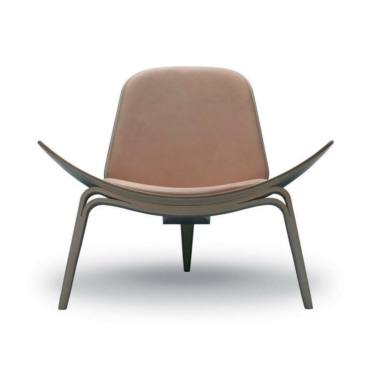 Wegner Shell Chair CH07