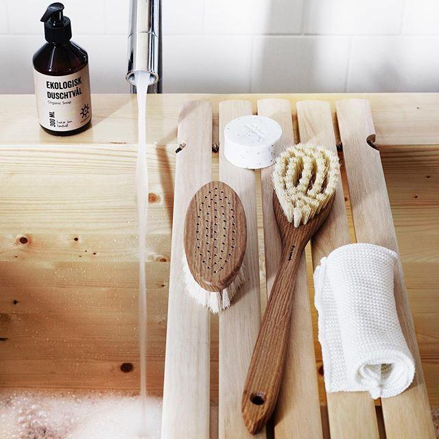 Snygga detaljer till badrummet! #irishantverk #brushes #scandinavian