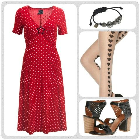 Spring is in the air, and I have been waiting for the moment to put on my Marc Jacobs sandals, they will look great with the dotted red Pippa dress.
