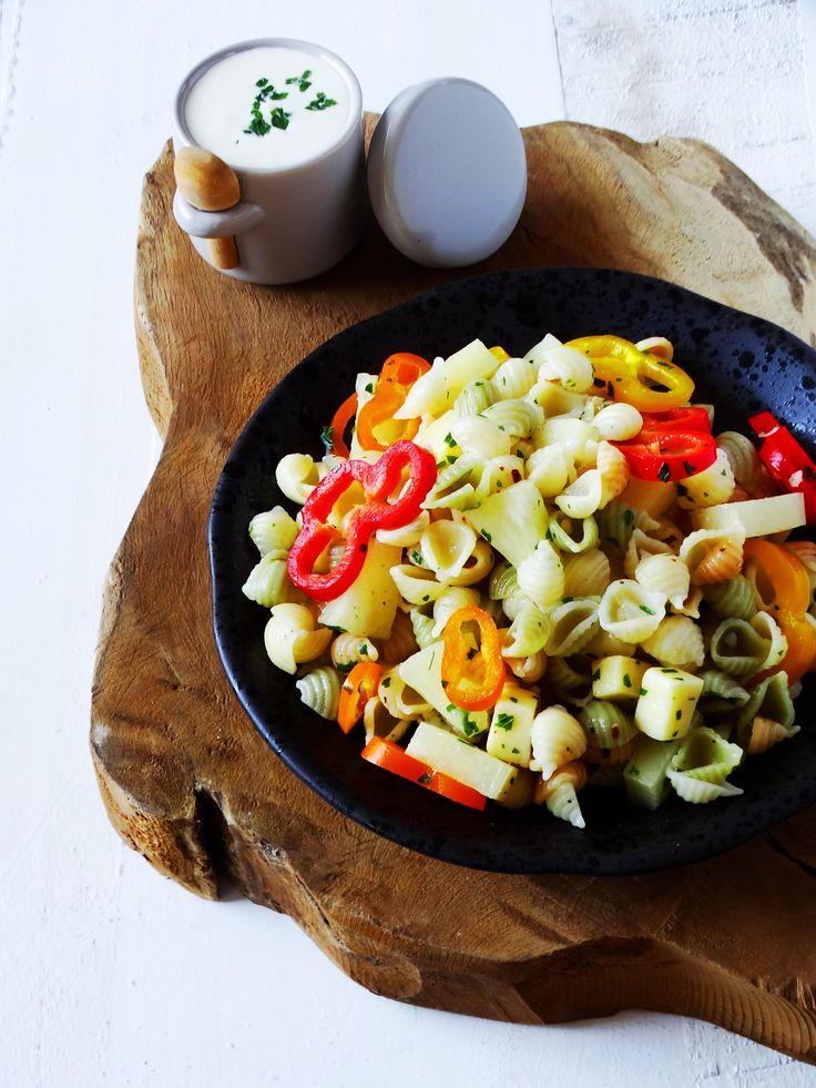 Pastasalade met kaas, paprika en ananas - Junnekes recepten