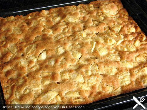 Schneller Apfelkuchen vom Blech, ein sehr leckeres Rezept aus der Kategorie Kuchen. Bewertungen: 87. Durchschnitt: Ø 4,3.