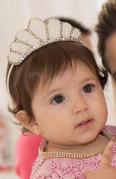 Para nossas princesas que amam uma coroa !   ✔️ modelo pérolas clássica.