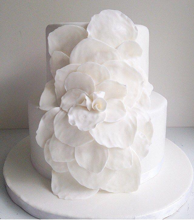 Weddingcake in white!
