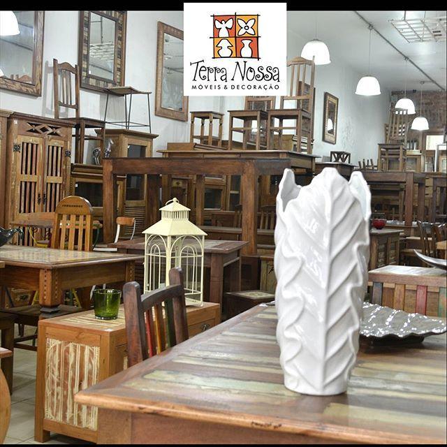 Loja de móveis Terra Nossa, muitos modelos para pronta entrega e pode ser feito sobre medida. Móveis de Madeira de Demolição para sala, quarto, varanda e cozinha, são mesas, racks, armarios, estantes...