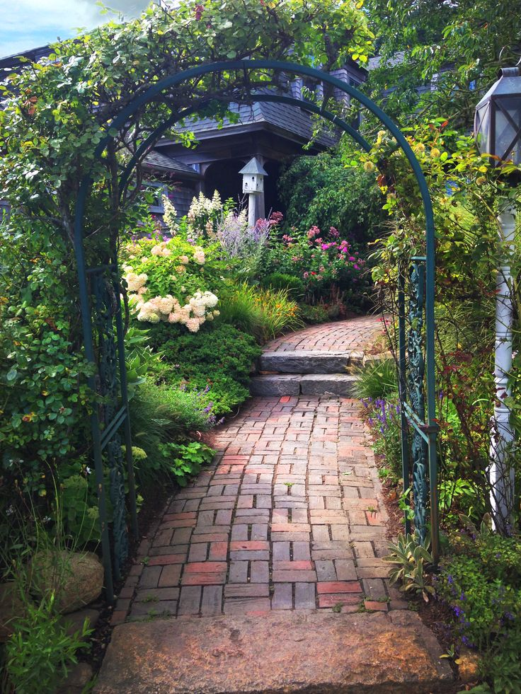 What a beautiful entrance to our #Beauty with a Purpose event at the Beach Plum Inn on Martha's Vineyard.