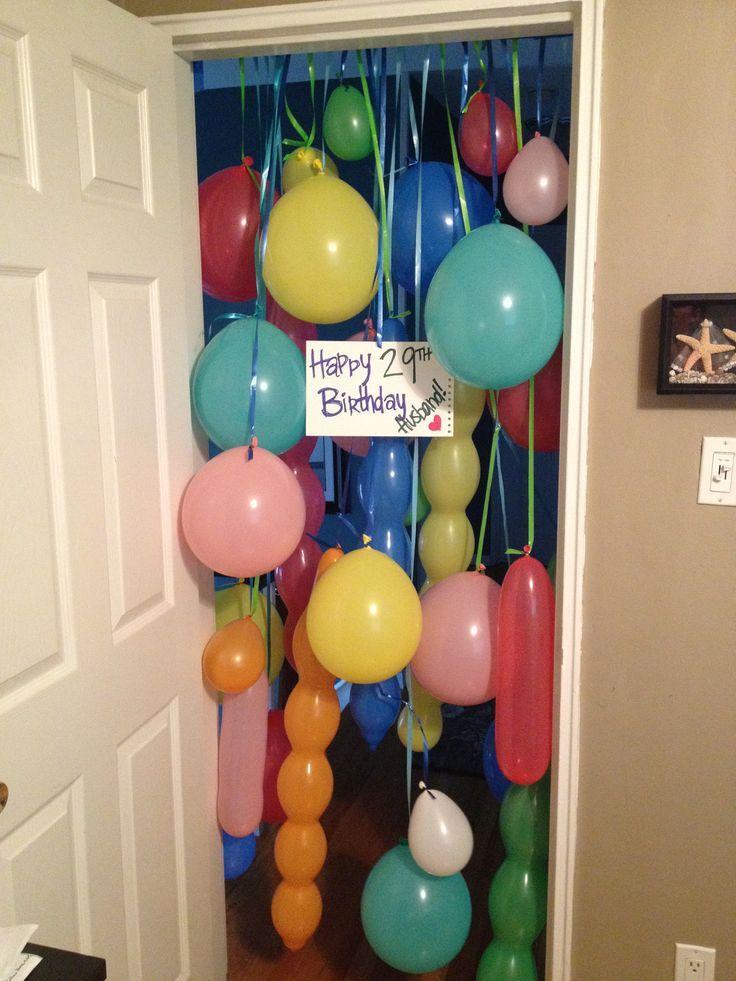 Mi marido es un niño grande en el corazón. esto fue un perfecto sorpresa mañana de cumpleaños para él .: