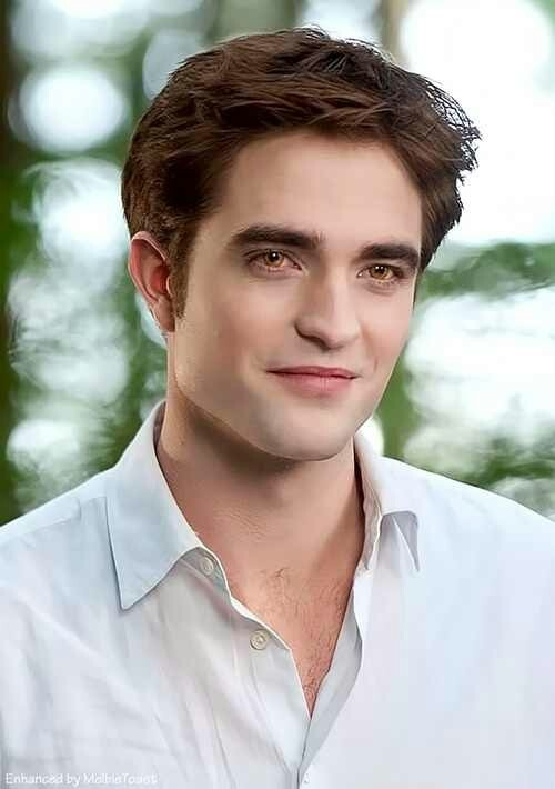 Robert Pattinson or should i say Edward Anthony Masen Cullen