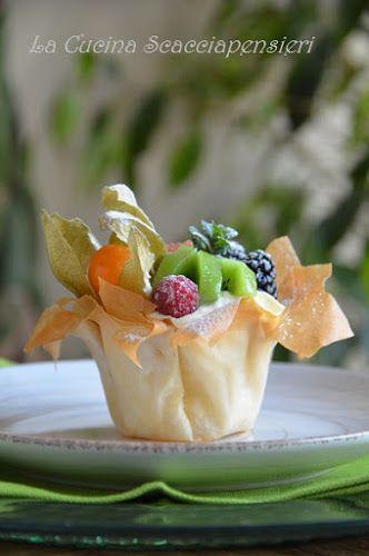 Cucina Scacciapensieri: Cestini croccanti con mousse alla ricotta e frutta fresca