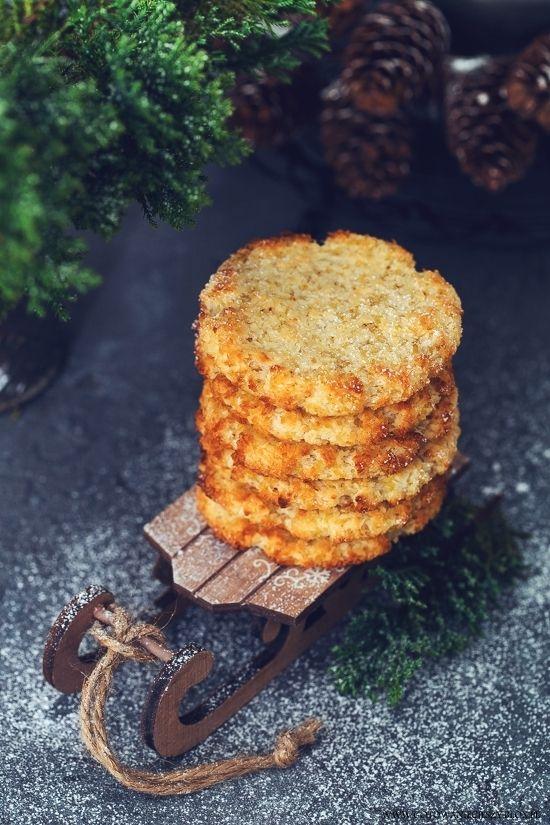 Co by tu zrobić z tą resztką kaszy z obiadu? Może... Kokosanki! :) Lepszego sposobu na wykorzystanie nadmiaru kaszy jaglanej chyba nie znajdziecie :) Chrupiące
