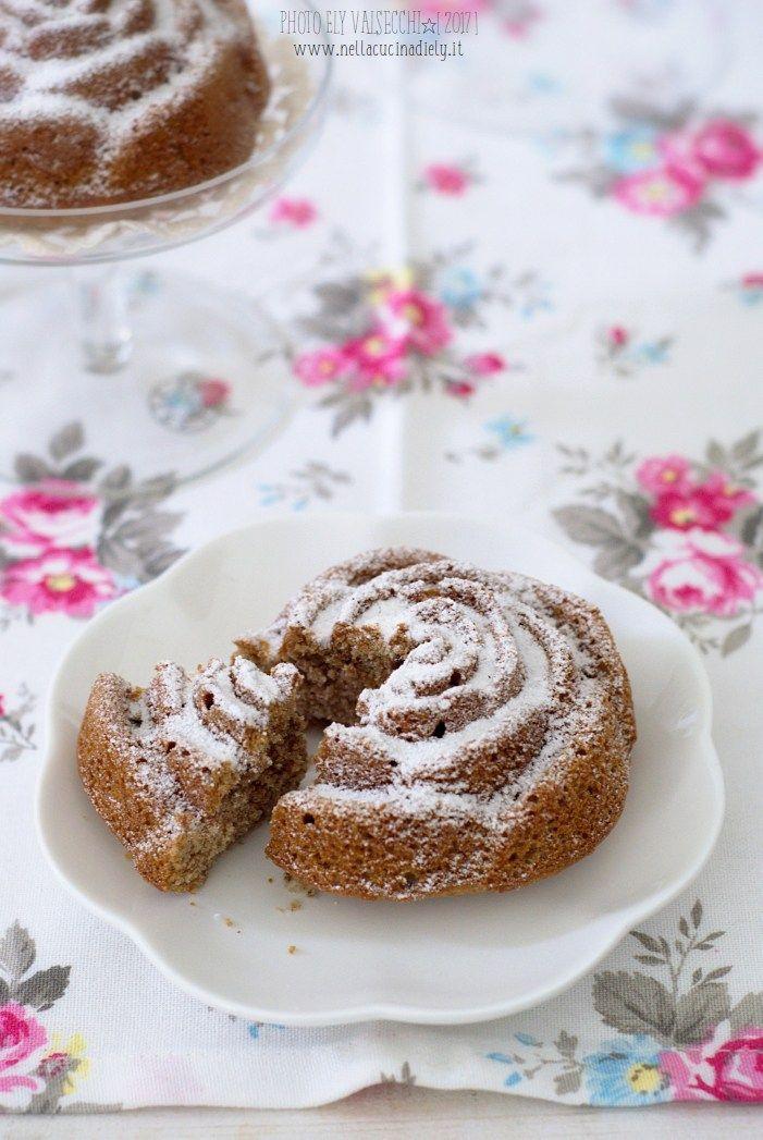 Rose con farina di castagne, noci e uvetta