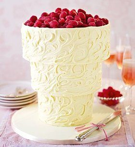 Upside Down White Chocolate Swirl Wedding Cake #delicious